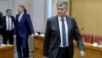 Ministar Kujundžić: Tražit ću oduzimanje licenci Linić, Jovanoviću i Petrovu