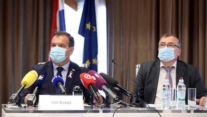 Capak: Nošenje maski u svim zatvorenim prostorima i na stajalištima