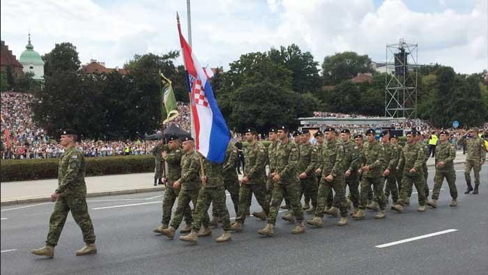 Hrvatski vojnici na mimohodu Oružanih snaga Republike Poljske | Domoljubni portal CM | Press