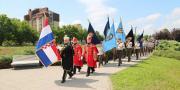 Mimohod polaznika vojnih škola u Vukovaru
