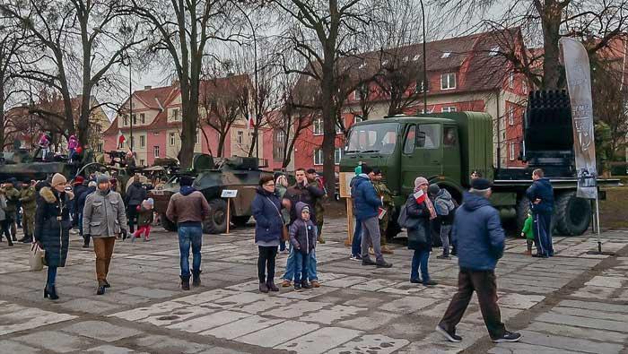 Pripadnici 3. HRVCON-a eFP na Danu neovisnosti Poljske | Domoljubni portal CM | Press