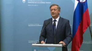 Erjavec nezadovoljan 'neutralnim' tonom Junckera: Juncker griješi, tužit ćemo RH