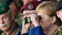 Merkel: NATO se mora usredotočiti na obranu Europe