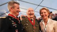 Stogodišnji američki pilot pobijedio koronu