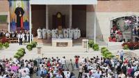 Rijeke vjernika u marijanskim svetištima