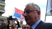 Šešelj gazio hrvatsku zastavu; hrvatska delegacija prekinula posjet Srbiji